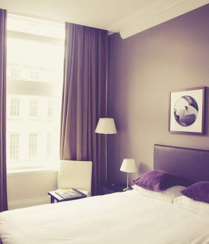 showcasing-a-hotel-room