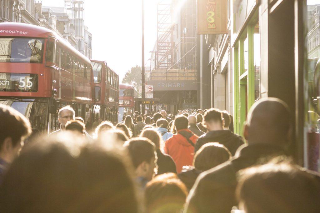 london-full-of-tourists