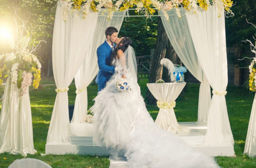 What to Expect on Your Wedding Day?